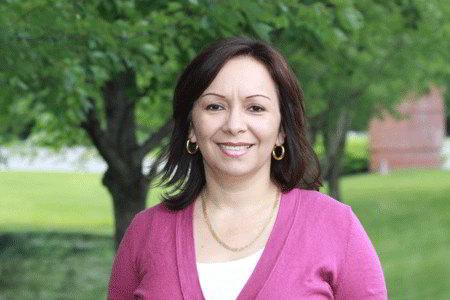Rosie Villa, bachelor of science in liberal arts graduate